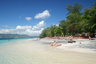 4Hari/3Malam LOMBOK HONEYMOON PACKAGE B FULLDAY SASAK + GILI TRAWANGAN TOUR